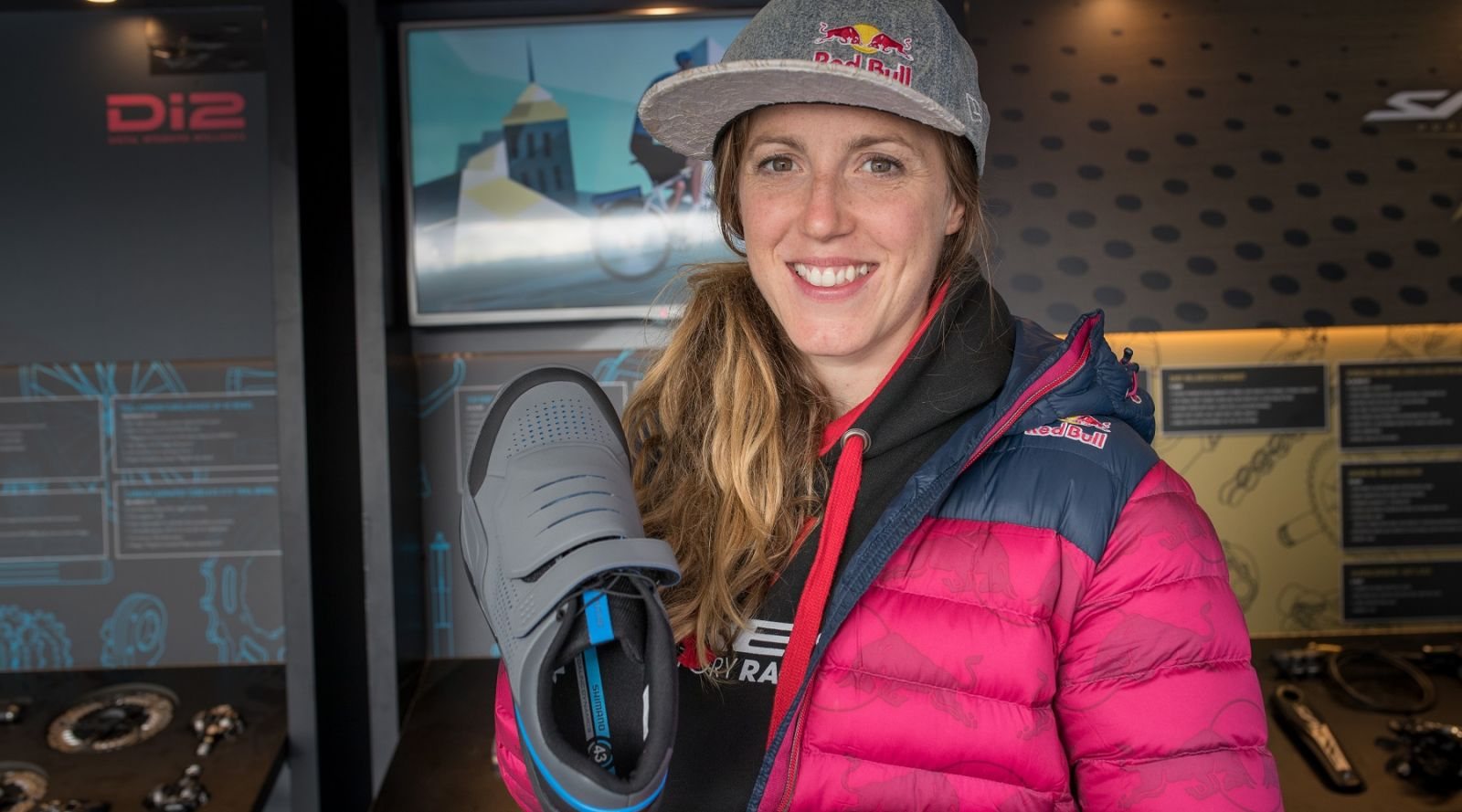 Rachel Atherton tretry AM9